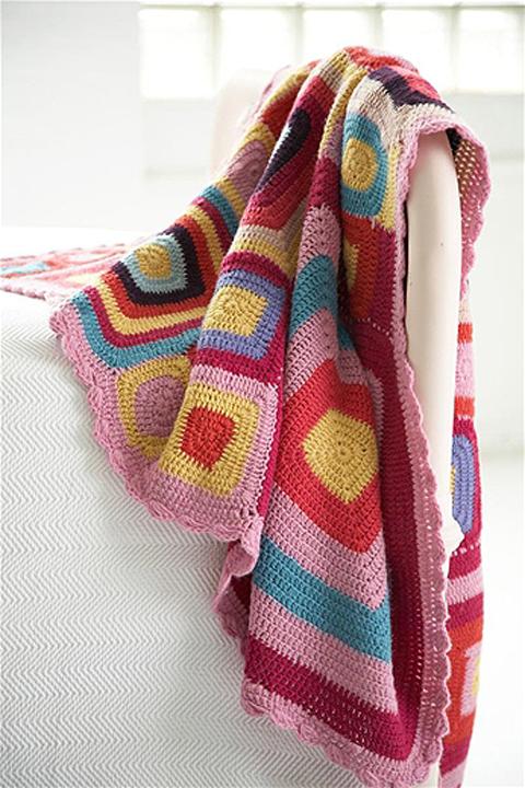Pine-cone-hill-crochet-blan